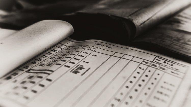 Iscrivere tempestivamente le notizie di reato. Il pm in bilico tra precetti virtuosi e potenti remore?